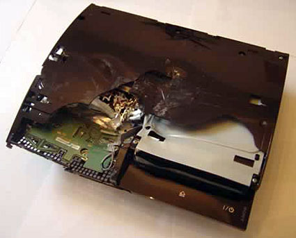 "<img src=""http://www.blogcdn.com/www.joystiq.com/media/2006/11/ps3smashed.jpg"">