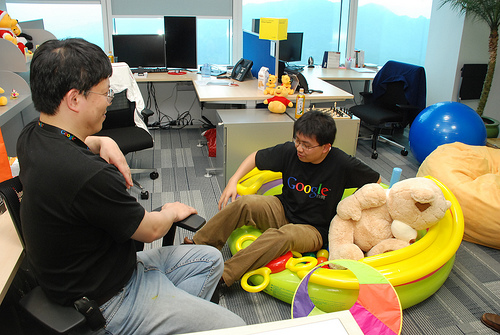 """At Work In Googleplex What Amazing >> Colorful Office Interiors which Look like a """"Playground for Kids"""""""